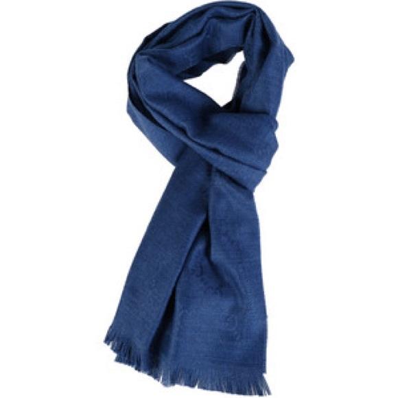 NWT Authentic Gucci Silk Wool Blend Shawl Scarf cc71648182a